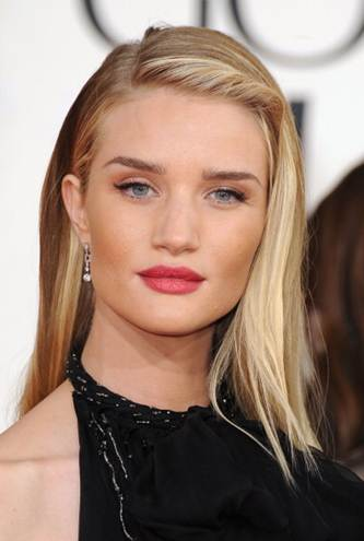 Rosie Huntington-Whiteley at the Golden Globes // Belle Belle Beauty