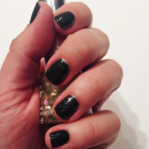 Fall Nails By Revlon: Iconic and Hearts of Gold FX // Belle Belle Beauty