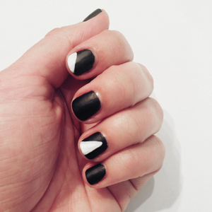 Blinged Out Matte Black Nails Graphic Details // Belle Belle Beauty