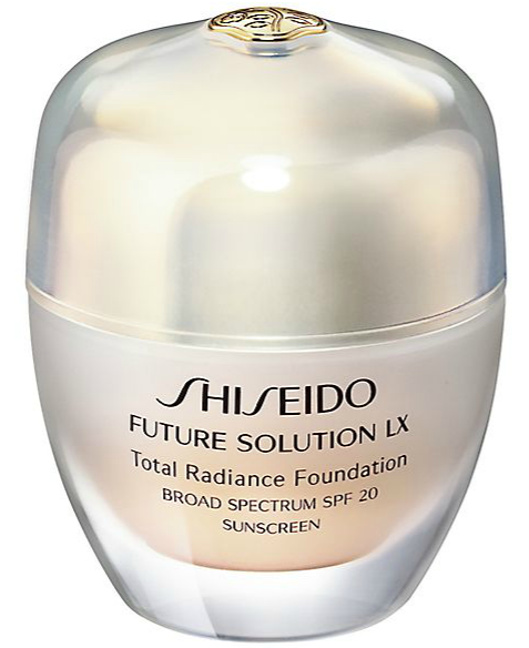 Shiseido Future Solution LX Total Radiance Foundation on Belle Belle Beauty